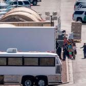 Delegación del gobierno de Biden visita frontera con México