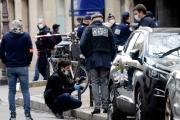 Tiroteo afuera de hospital de París deja un muerto y un herido