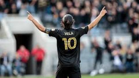 Carlos Vela renueva con LAFC
