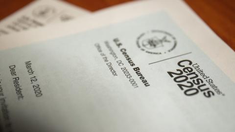 Ciudad de Edinburg reparte tarjetas de regalo a residentes que completen el Censo
