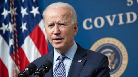 """Es un paso gigante para EU"": Biden sobre aprobación de plan de estímulo"