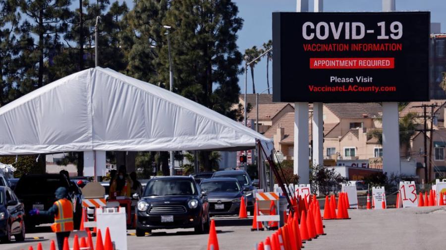 California podría abrir por completo su economía el 15 de junio