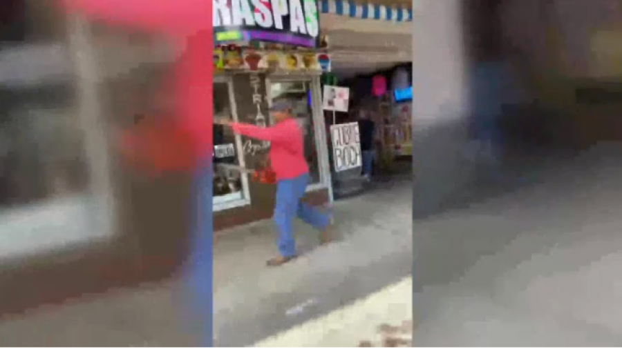 Hombre es detenido en McAllen por amenazar a manifestantes con motosierra
