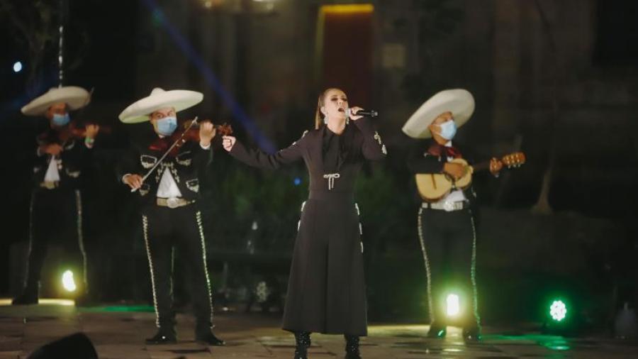 Edith Márquez celebra la Independencia con mariachi en Guadalajara