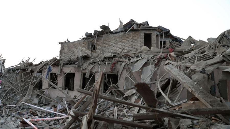 Azerbaiyán acusa a Armenia de lanzar misil que dejó 13 muertos