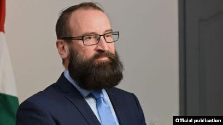 Descubren a eurodiputado en una orgía clandestina