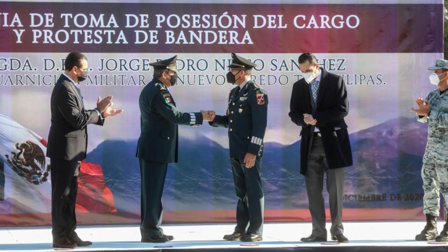 Atestigua Rivas toma de posesión de nuevo comandante de la Guarnición Militar