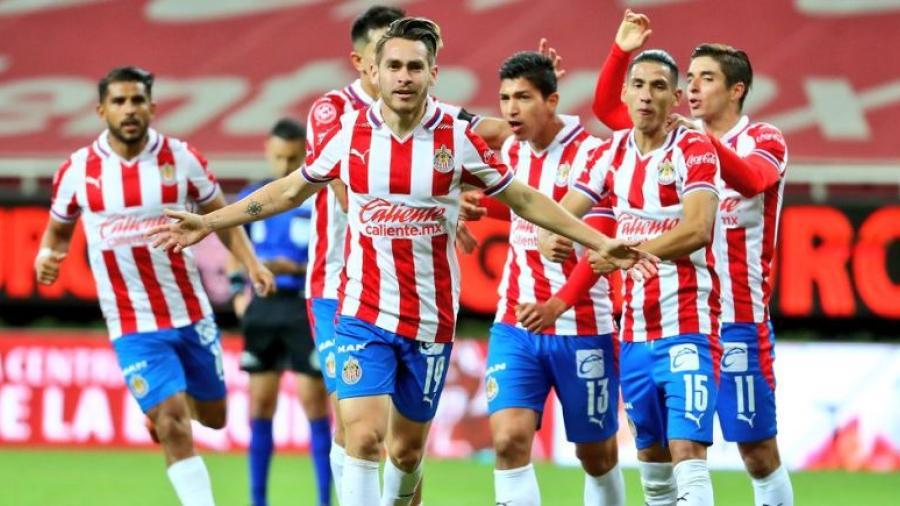 Chivas se mete a la liguilla, tras vencer 1-0 al Necaxa