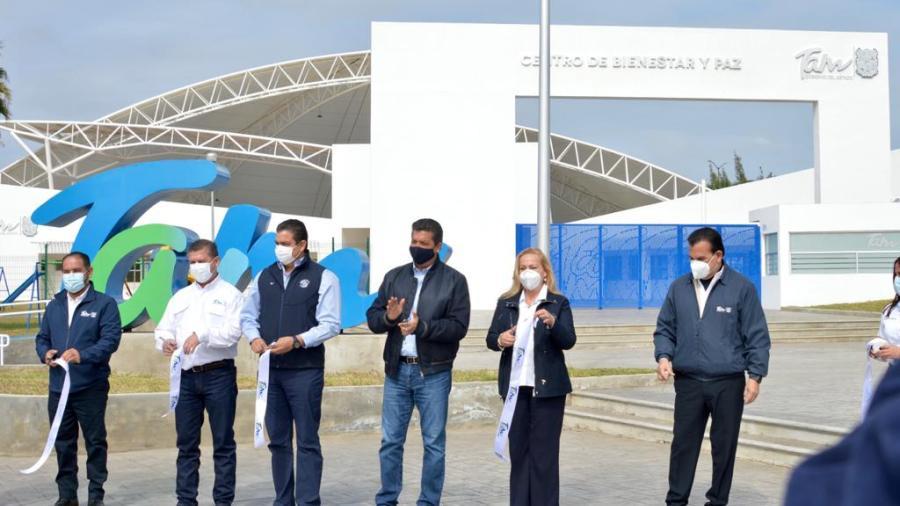 """Inauguran alcaldesa y gobernador """"Centro de Bienestar y Paz"""" de Altamira"""