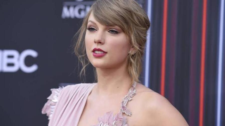 Taylor Swift promete defender los derechos de la comunidad LGBT