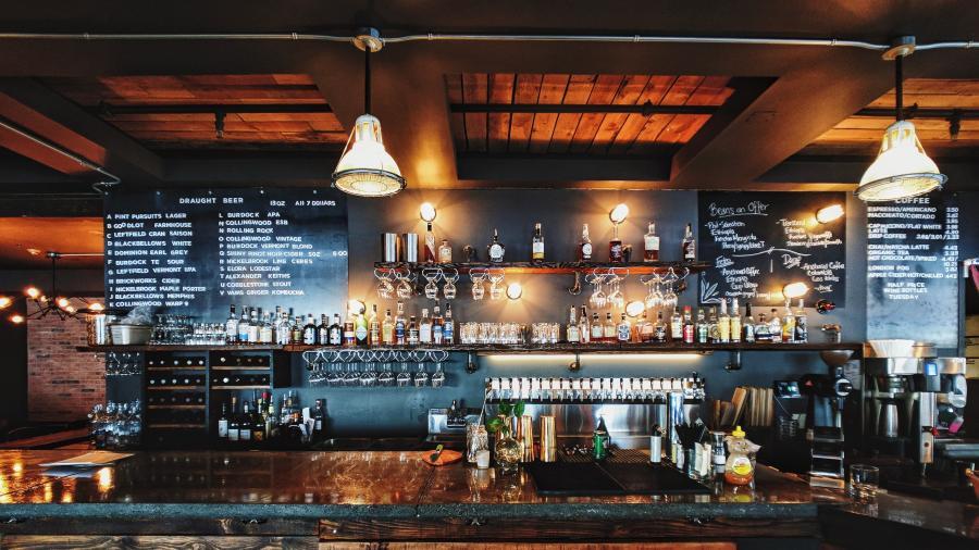Florida autorizó reapertura de bares y cervecerías en Condados del norte