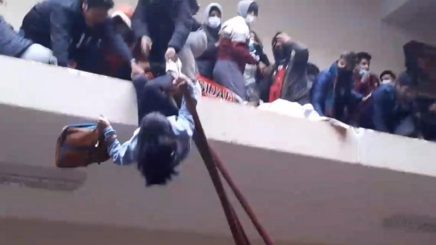 Suman 7 muertos tras accidente en universidad de Bolivia