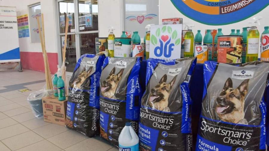 """DIF Reynosa donó alimento a las mascotas de """"La Casita Verde Reynosa"""""""