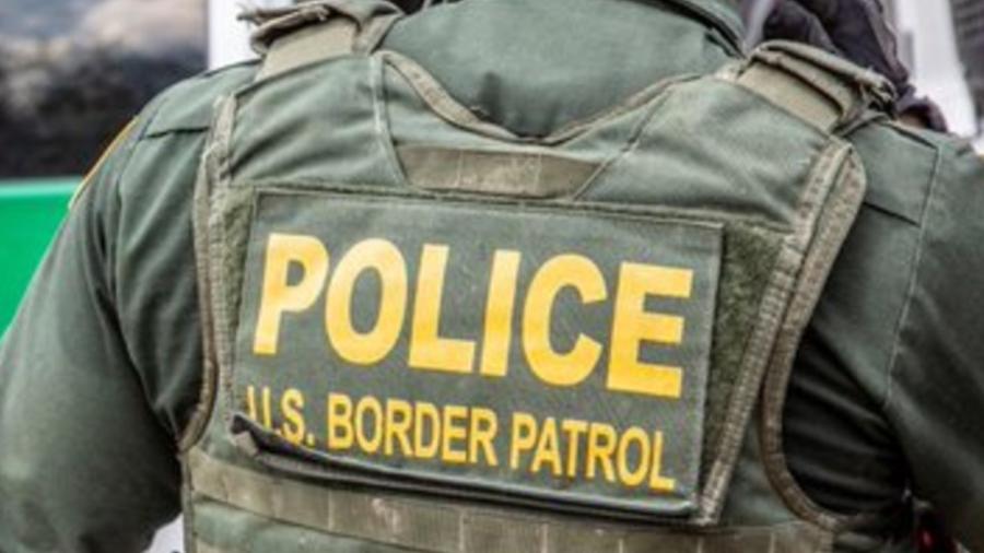 Patrulla fronteriza rescata a 40 migrantes en dos casas de seguridad