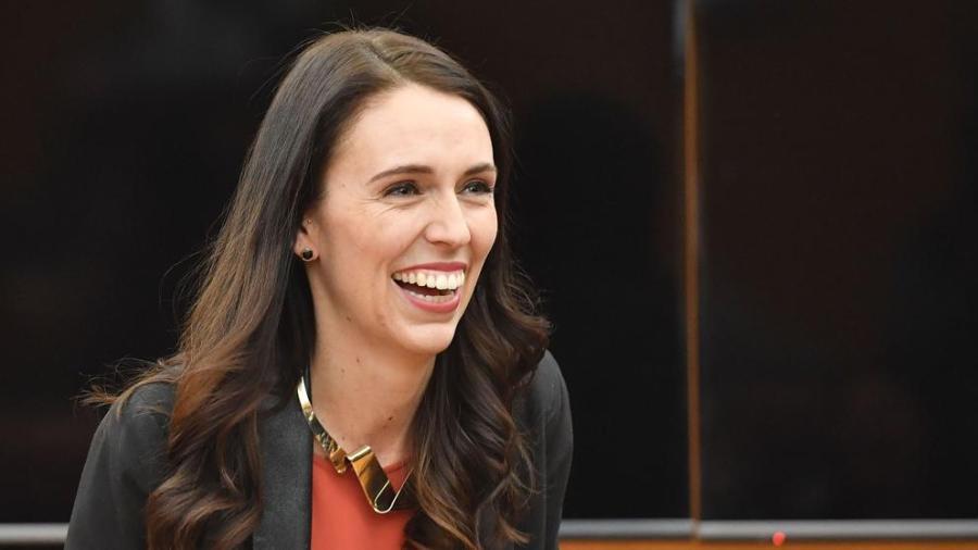 Primera ministra de Nueva Zelanda renueva su mandato