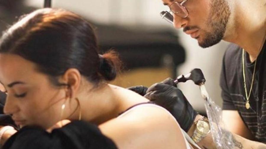 Demi Lovato presume su nuevo tatuaje