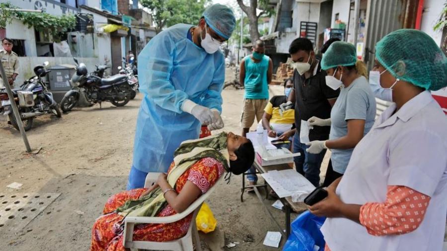 Rompe India nuevo récord de nuevos contagios en las últimas 24 horas con más de 95 mil