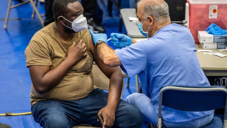 Condado Hidalgo dejará de aplicar temporalmente vacunas  Johnson & Johnson contra el COVID-19