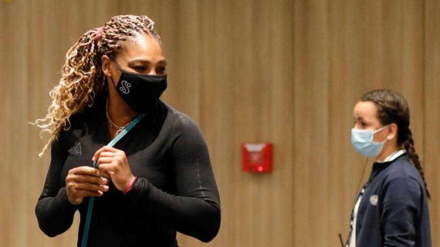 Se retira Serena Williams de Roland Garros por lesión