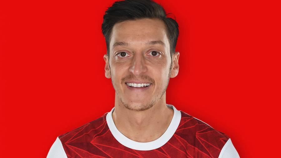 Özil tendría en mente jugar en Estados Unidos o Turquía