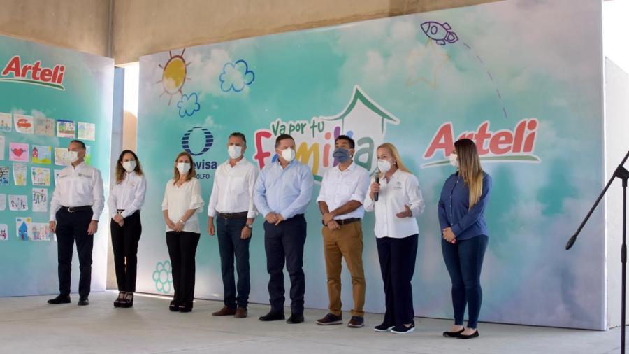 Une esfuerzos Alma Laura Amparán en beneficio de sectores vulnerables