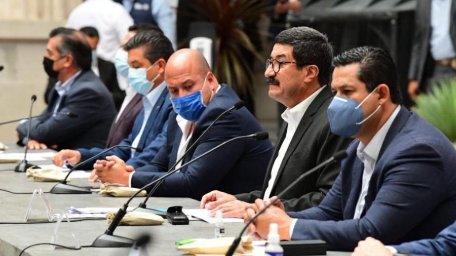 Alianza Federalista planea estrategia para vacunación de COVID-19