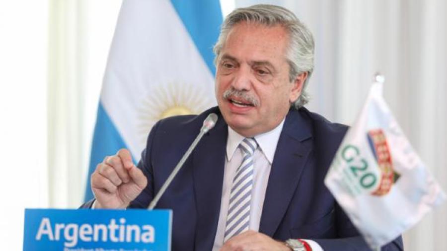 Presidente de Argentina dicta restricciones ante segunda ola de Covid-19