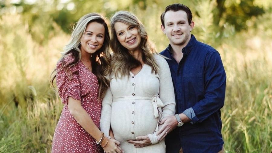Mujer dará a luz a su propio nieto
