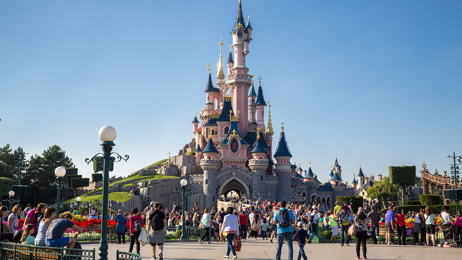 """Guarda tus orejas de Mickey, porque """"Disneyland en México"""" es 'fake'"""