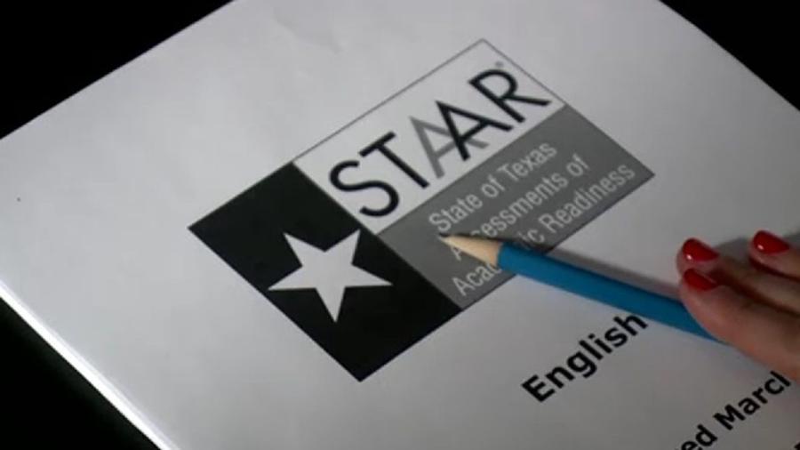 Estudiantes en Texas se retrasan en pruebas STAAR al no poder acceder en línea