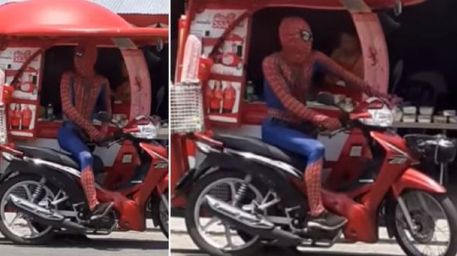 Se disfraza del Hombre Araña para vender helados