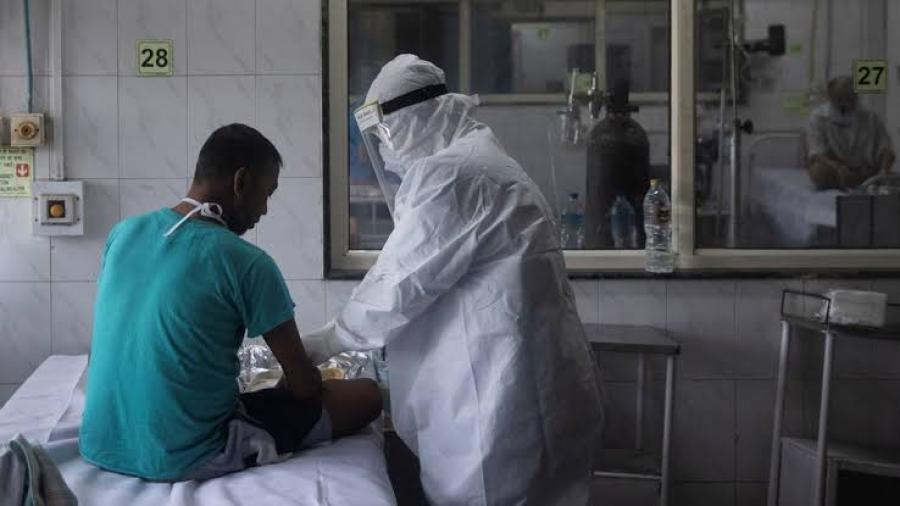 Los CDC podrían reducir el tiempo de cuarentena a personas expuestas a COVID-19